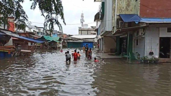Ruko Taman Permata Indah 2 di Pejagalan Terendam Banjir Bikin Transaksi Jual Beli Lumpuh