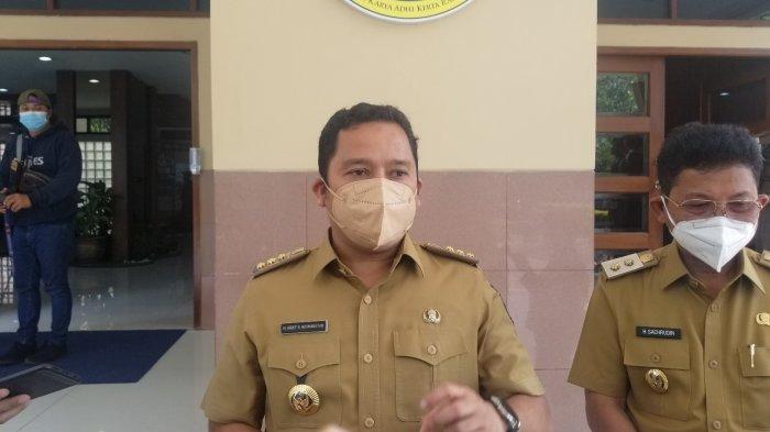 Wali Kota Tangerang, Arief R Wismansyah saat ditemui awak media usai kunjungan Menteri Dalam Negeri (Mendagri) Tito Karnavian di Pusat Pemerintahan Kota Tangerang, Selasa (27/7/2021).