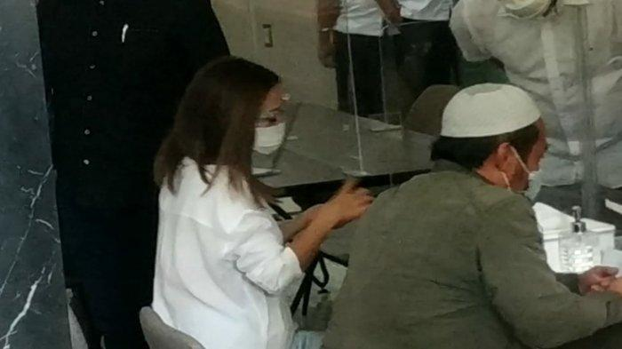 Artis Gisella Anastasia alias Gisel memenuhi panggilan penyidik Polda Metro Jaya pada Rabu (23/12/2020).
