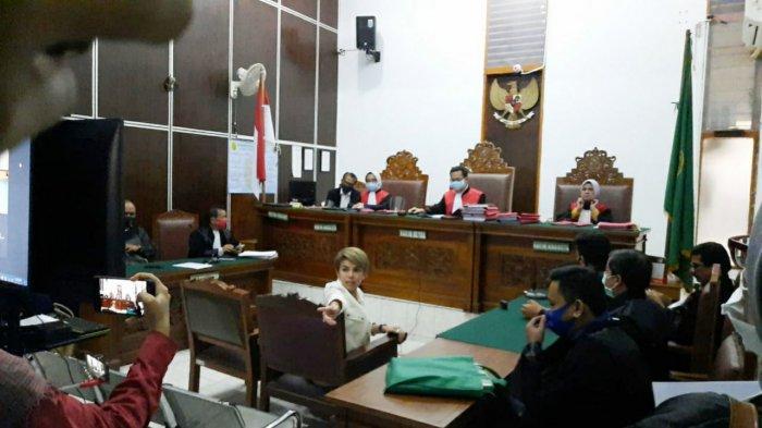 Terbukti Bersalah Aniaya Mantan Suami, Nikita Mirzani Divonis 12 Bulan Masa Percobaan