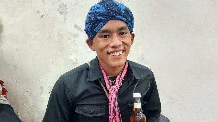 Asep, suku Baduy Luar yang berjualan madu sejak belasan tahun lalu, Rabu (29/1/2020)
