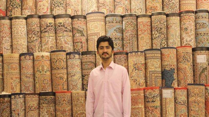 Atta Ul Karim pemilik Al-Barkat Oriental Rugs and Carpets.