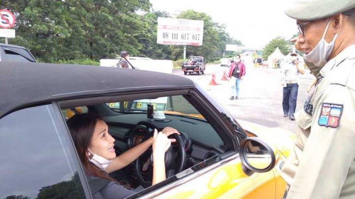 Mobil Ayu Ting Ting Tak Bisa Masuk Bogor, Kena Ganjil Genap, Petugas: Salah Masuk, Mau ke Rest Area