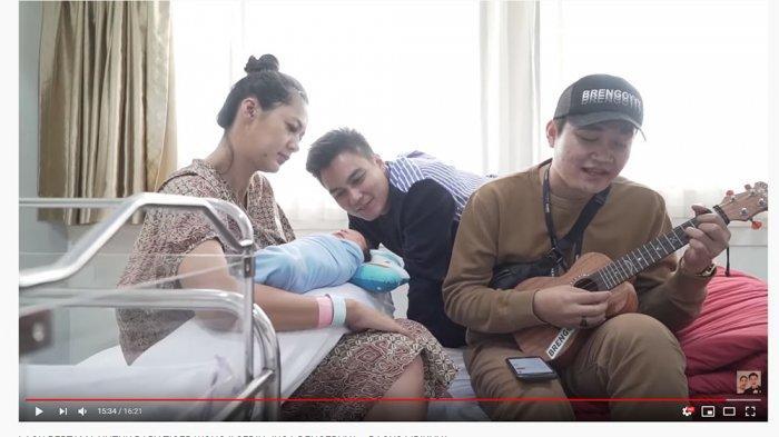Baim Wong Beri Lagu Khusus untuk Tiger Wong, Paula Verhoeven Keheranan saat Suami Minta Gitar