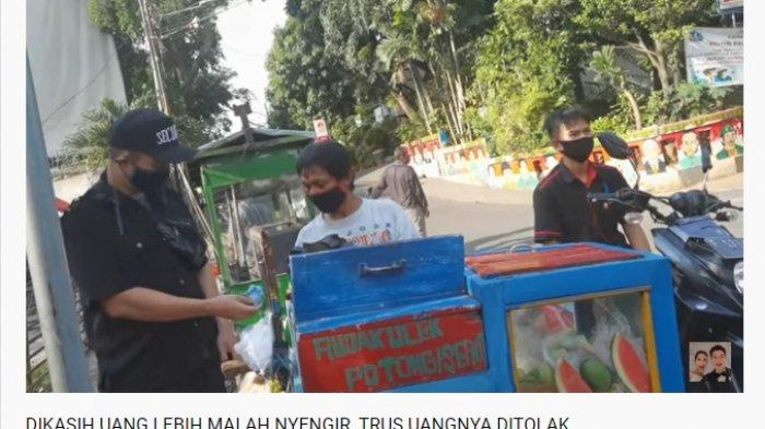 Diberi Segepok Uang Oleh Baim Wong, Penjual Rujak Ini Malah Tertawa: Banyak Amat, Beneran?