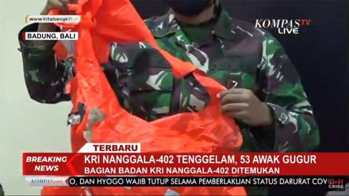 Penampakan baju escape swift MK 11 di KRI Nanggala 402 yang berhasil diselamatkan oleh MV Swift Rescue milik Singapura pada Minggu (25/4/2021) pagi.
