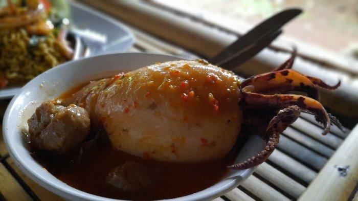 Sempat Viral Bakso Lobster, kini Ada Bakso Cumi di Jatimulya Depok : Harganya Rp 35 ribu