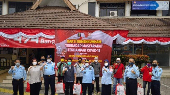 Bantu Warga Korban Terdampak Pandemi, Imigrasi Jakarta Pusat Salurkan 500 Paket di Sawah Besar