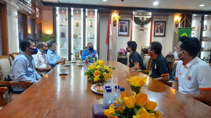 Bambang Pamungkas Kunjungi Bupati Bantul, Persija Jakarta Dapat Restu Berkandang di Sultan Agung