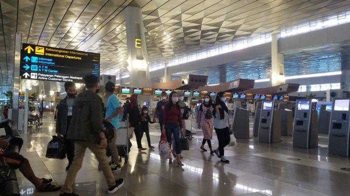 Wajib Bawa Sertifikat Vaksin Covid-19, 100 Penumpang di Bandara Soekarno-Hatta Gagal Terbang