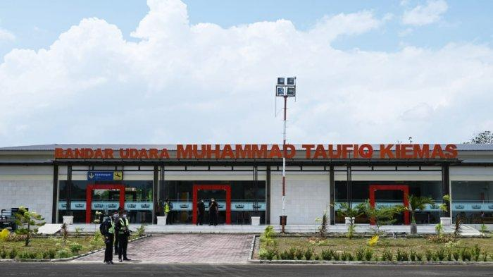 Bandara Taufik Kiemas di Kabupaten Pesisir Barat, Lampung.