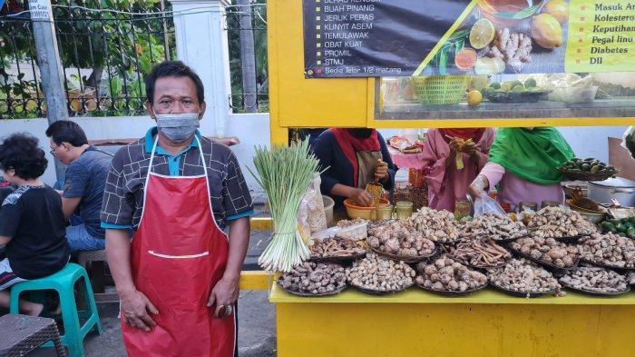 Warung Bang Adut Jual Aneka Jamu di Pasar Lama Tangerang: Manjur Atasi Berbagai Penyakit
