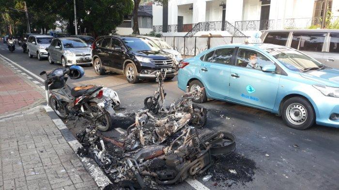 Bentrok Aksi 22 Mei Belasan Sepeda Motor Hangus Dibakar, Wartawan Juga Jadi Korban