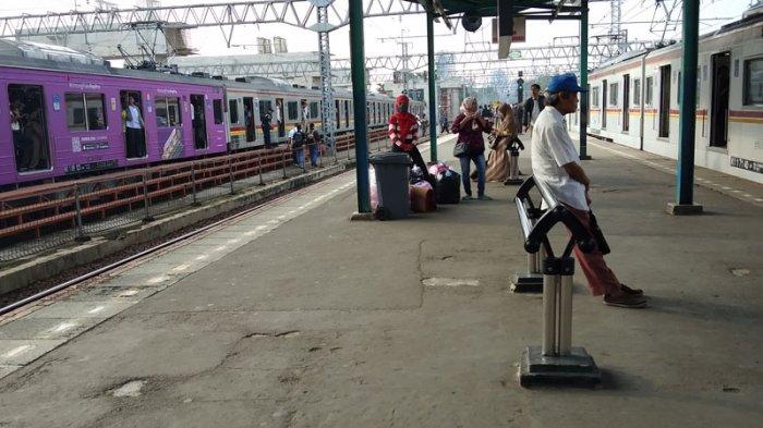 Kompresor Bermasalah, Penumpang KA Jurusan Bogor Dialihkan ke Jalur 8 Stasiun Manggarai