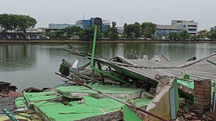 Antisipasi Banjir saat Musim Hujan, Satpol PP Tertibkan Puluhan Bangunan di Sepanjang Danau Sunter