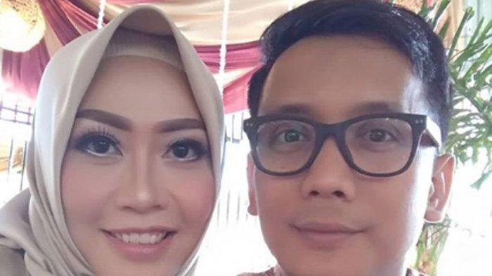 Bersimpuh di Depan Makam Bani Seventeen Saat Hamil 3 Bulan, Sang Istri Ungkapkan Perasaan Mendalam
