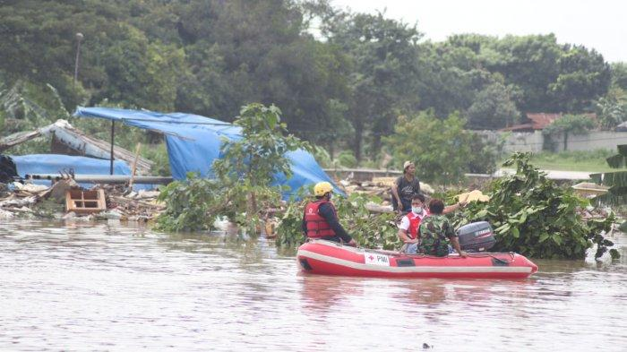 Pompa Penyedot Macet, Banjir di Kota Tangerang Masih Setinggi 2 Meter