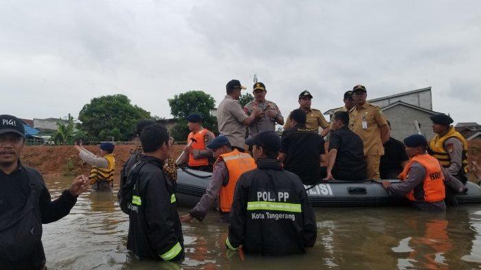 Banjir 1 Meter Lebih di Tangerang, Masih ada Warga yang Bertahan di Rumah