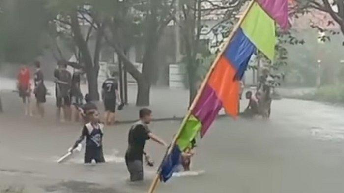 Hujan Deras Guyur Kota Depok, Ruas Jalan Hingga Kawasan Perumahan Terendam Banjir
