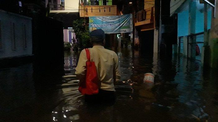 Permukiman di Petogogan Kebayoran Baru terendam banjir pada Jumat (21/5/2021).