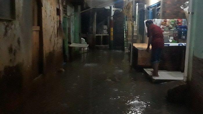 Jakarta Diguyur Hujan, Permukiman Kebon Pala Kampung Melayu Banjir 40 Sentimeter