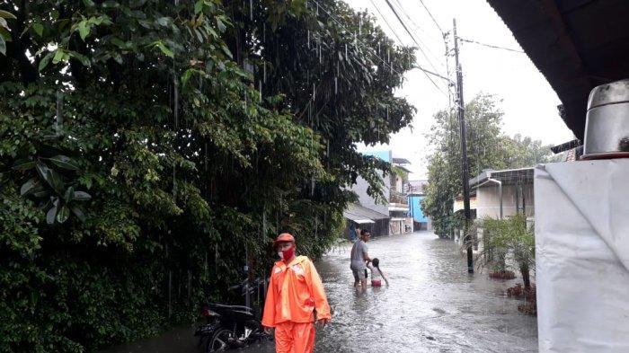 RW 02 dan 03 Kampung Rambutan Terendam Banjir, Warga: Lebih Parah Dibanding Awal Tahun 2020
