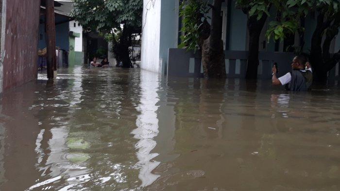 Luapan Kali Cipinang, Ratusan Rumah Terendam Banjir di Kampung Rambutan