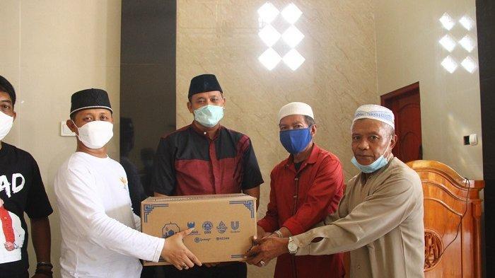 Pemkot Bekasi dan Baznas Salurkan Paket Bantuan GMB ke Masjid-masjid