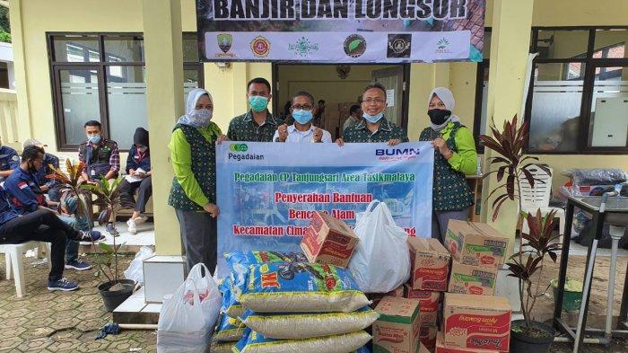 Pegadaian Berikan Bantuan untuk Korban Banjir dan Tanah Longsor di Sumedang