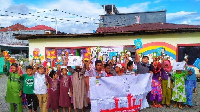 Bahagianya Siswa SD di Manado Dapat Bantuan Buku: Jadi Motivasi Kami untuk Belajar Lebih Giat