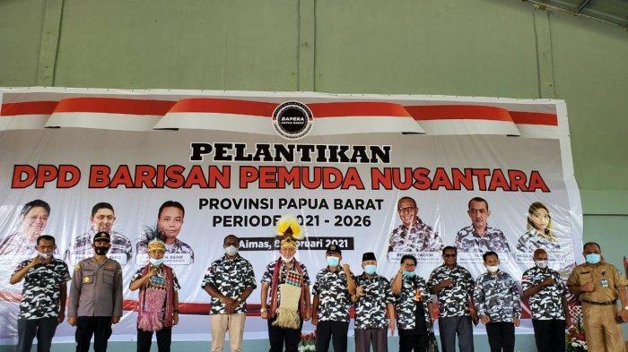 Bernard Sagrim Dilantik Menjadi Ketua Bapera Papua Barat