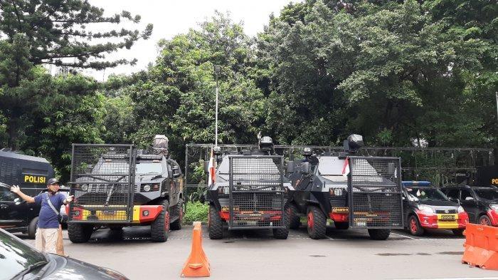 Barracuda hingga Water Cannon Disiagakan Jelang Pemeriksaan Rizieq Shihab di Polda Metro Jaya