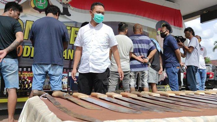 Penganiayaan Terhadap 4 Warga di Kota Depok, Polisi Amankan 18 Senjata Tajam