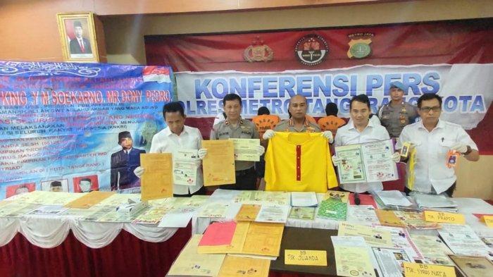 Polres Metro Tangerang Kota Tangkap Ketua Umum Kerajaan Halu King of the King di Karawang