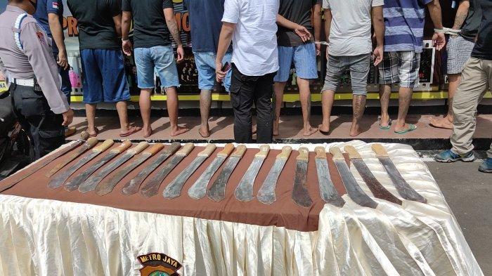 Kronologi Lengkap Penganiayaan 4 Warga di Depok, Pelaku Mabuk dan Merasa Tersinggung saat Melintas