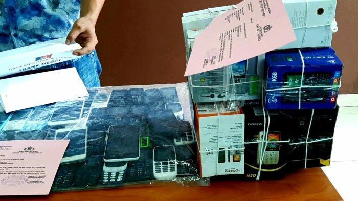 Kasus Penipuan Kartu Kredit hingga Rp 1 M, Polisi Amankan Barang Bukti Ini