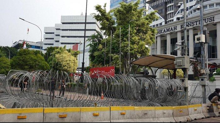 Jelang Sidang Perdana Sengketa Pilres, Polisi Perketat Penjagaan di Gedung MK