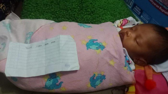 Bayi perempuan ditemukan terlantar di Pabuaran Tumpeng, Kecamatan Karawaci, Kota Tangerang pada Minggu (18/4/2021).