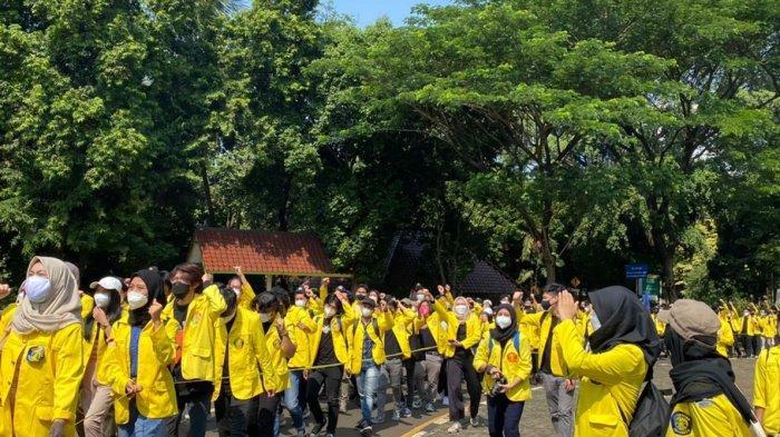 BEM UI Demo Rektorat, Tuntut Pencabutan Statuta Rektor Rangkap Jabatan