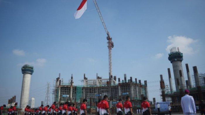 HUT ke-75 Kemerdekaan RI, Bendera Merah Putih Raksasa Berkibar di Jakarta International Stadium