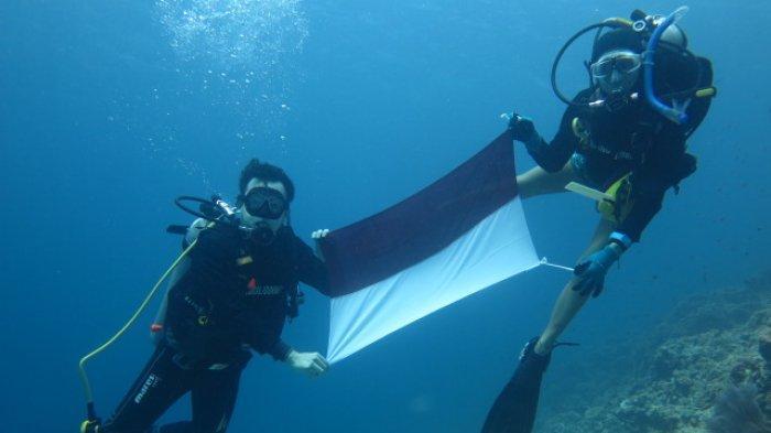 Bendera Merah Putih Berhasil Dibentangkan di Dasar Laut Gili Trawangan, Intip Foto-fotonya