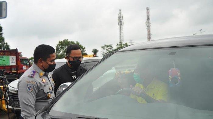 Bima Arya Halau Pengguna Mobil yang Tak Patuhi Ganjil Genap di Pintu Tol Bogor: Bapak Mau Kemana?