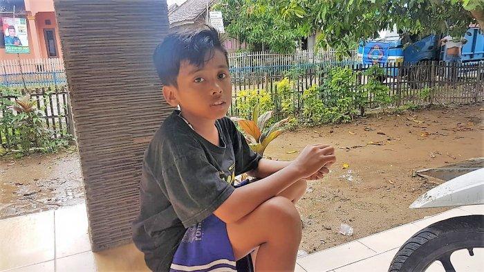 Kisah Farel, Bocah 12 Tahun yang Bantu Distribusi Logistik ke Desa Terdampak Tsunami di Pandeglang