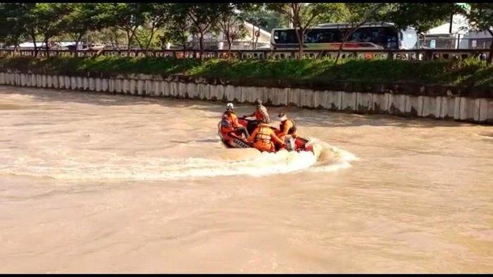 Upaya Pencarian Bocah Tenggelam di Kalimalang Bekasi Belum Membuahkan Hasil