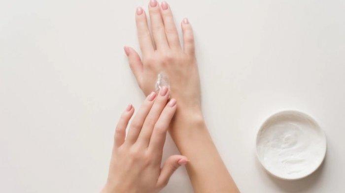 Daftar 5 Bahan Skincare Perlu Dihindari oleh Ibu Menyusui, Hati-hati!