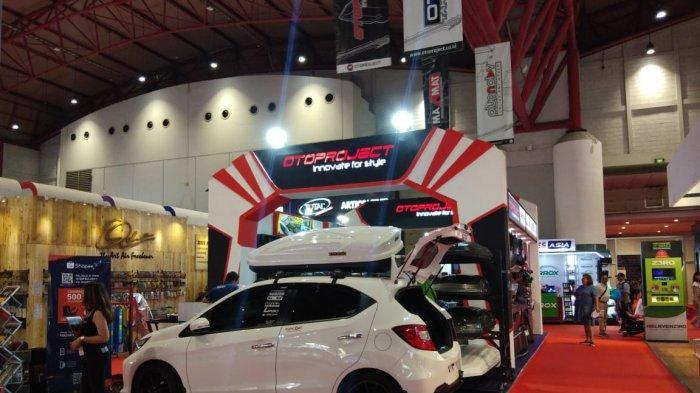 Aksesoris Xpander Paling Dicari di Booth Otoproject IIMS 2019