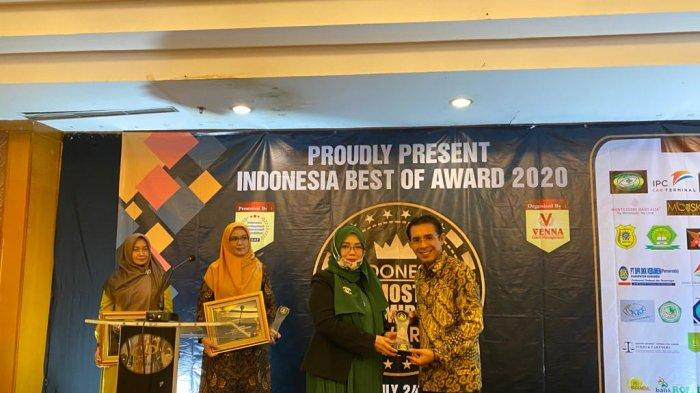Boris Syaifullah Terima Penghargaan Indonesia Most Admired Leaders Award 2020