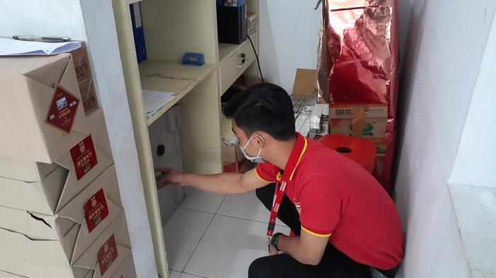 Perampok Minimarket di Ciputat Bawa Kabur Uang Rp 36 Juta dan Ponsel Pegawai