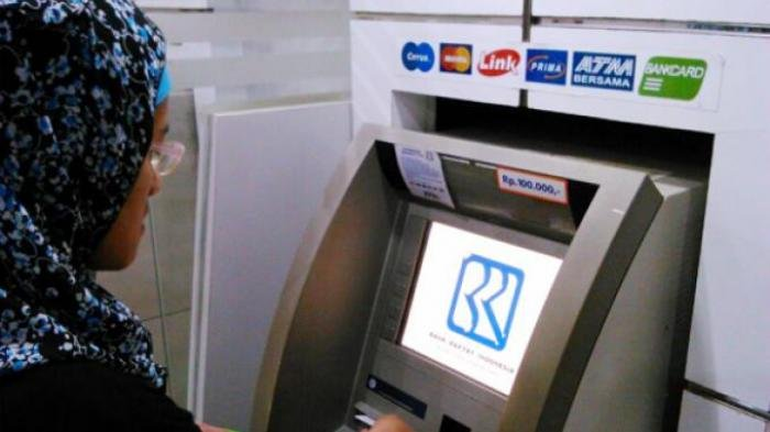 Cek Saldo di ATM Link, Para Nasabah Bank Mandiri, BRI, BNI hingga BTN akan Dikenakan Biaya Rp5000