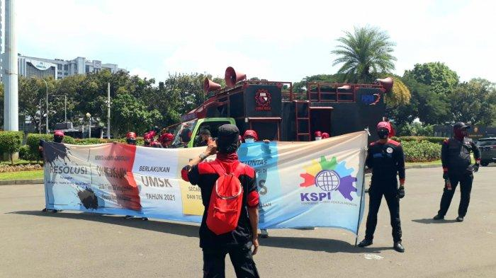 Demo di Dekat Istana Negara, Buruh Tuntut MK Batalkan Omnibus Law